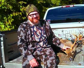 Jason Wilborn wearing original brown winona camo made by Bob Fratzke on a successful hunt. The deer was harvest with a bow on 10/08/2014 in Tennessee.